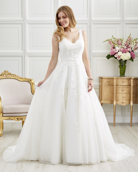 7201 gown from the 2017 Romantic Bridals collection, as seen on dressfinder.ca
