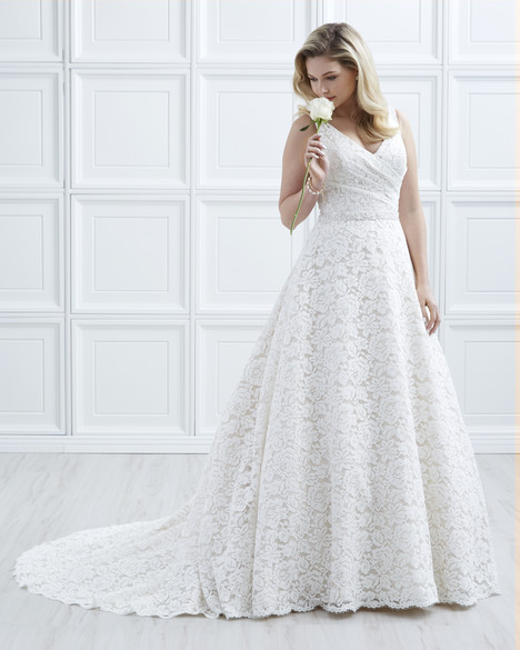 4005 gown from the 2017 Romantic Bridals: Hearts Desire collection, as seen on dressfinder.ca