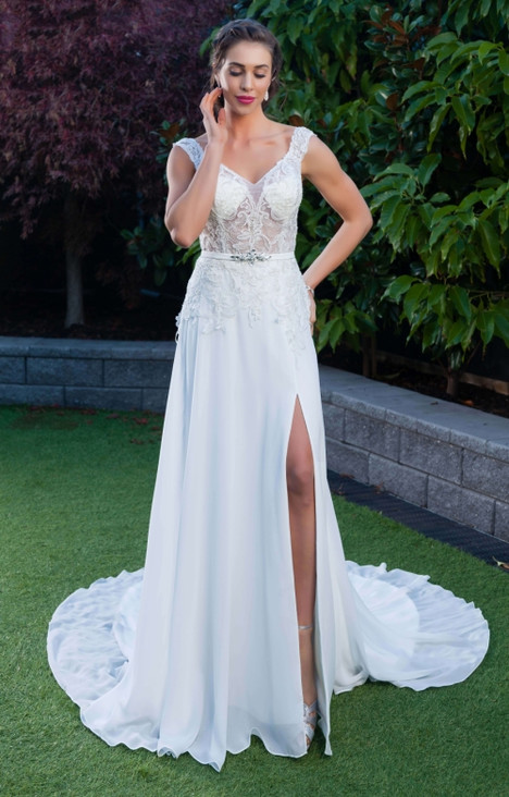 1138 gown from the 2016 Christina Rossi collection, as seen on dressfinder.ca