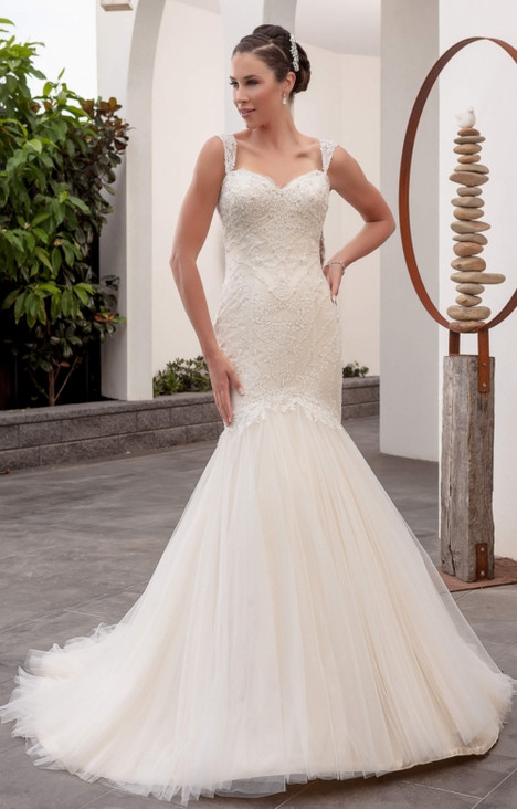 4259 gown from the 2016 Christina Rossi collection, as seen on dressfinder.ca