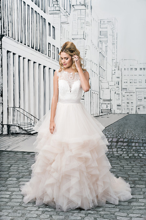8888 gown from the 2017 Justin Alexander collection, as seen on dressfinder.ca