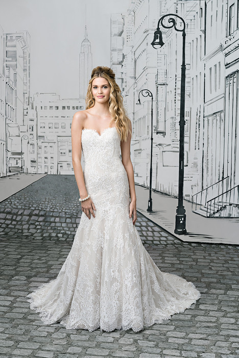 8893 gown from the 2017 Justin Alexander collection, as seen on dressfinder.ca
