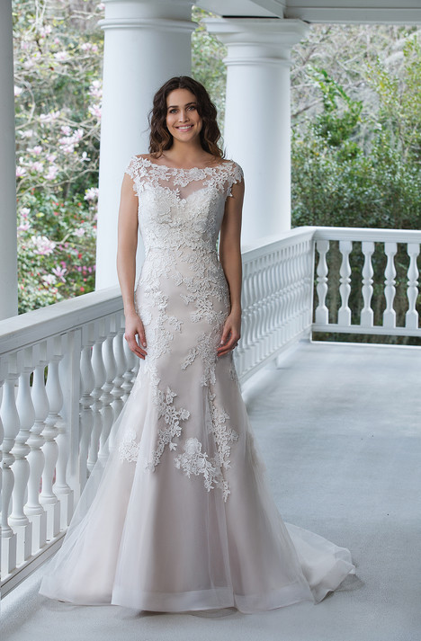 3942 gown from the 2017 Sincerity collection, as seen on dressfinder.ca