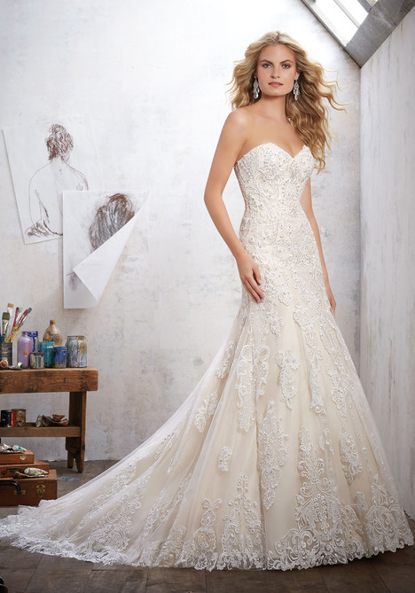 8102 gown from the 2017 Mori Lee: Bridal collection, as seen on dressfinder.ca
