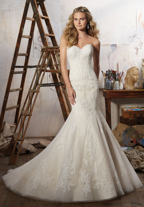 8109 gown from the 2017 Morilee Bridal collection, as seen on dressfinder.ca