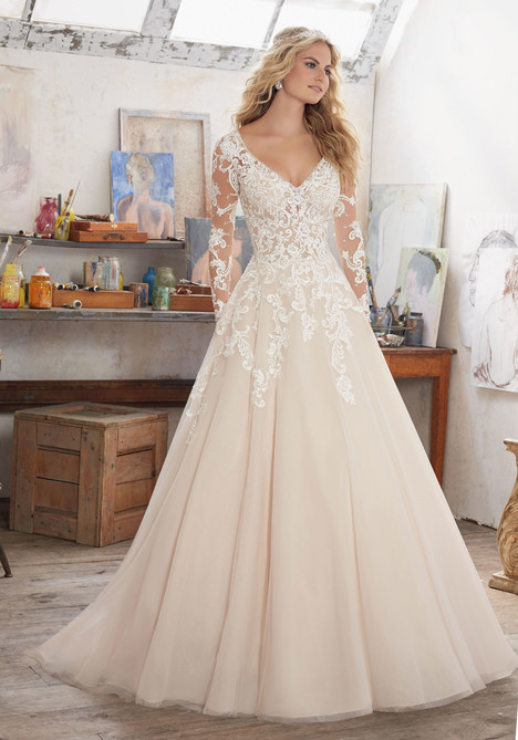 8110 gown from the 2017 Mori Lee: Bridal collection, as seen on dressfinder.ca