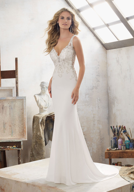 8113 gown from the 2017 Mori Lee: Bridal collection, as seen on dressfinder.ca