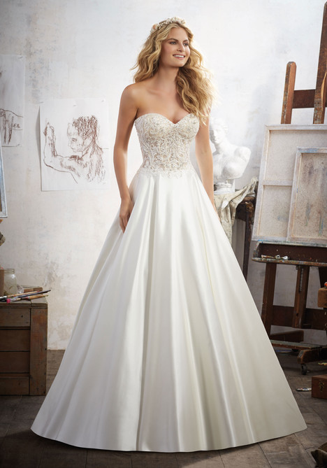 8114 gown from the 2017 Mori Lee: Bridal collection, as seen on dressfinder.ca