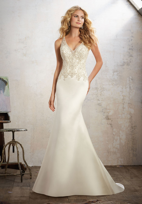 8121 gown from the 2017 Mori Lee: Bridal collection, as seen on dressfinder.ca