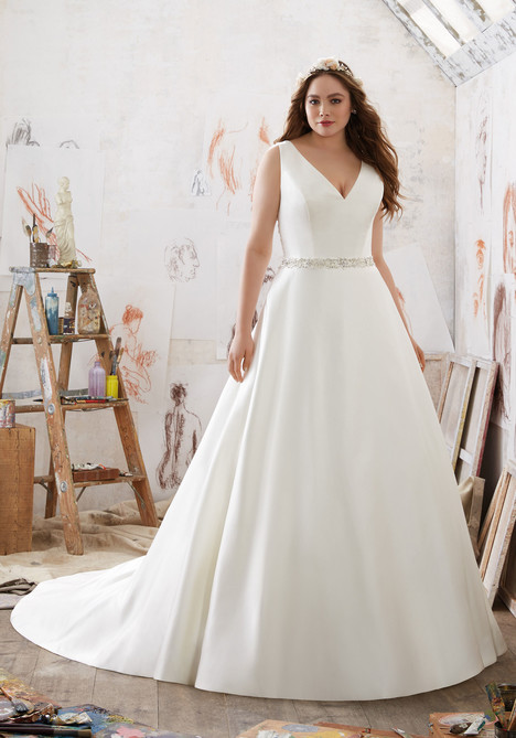 3211 gown from the 2017 Mori Lee: Julietta collection, as seen on dressfinder.ca