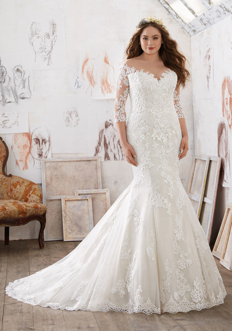 3212 gown from the 2017 Mori Lee: Julietta collection, as seen on dressfinder.ca