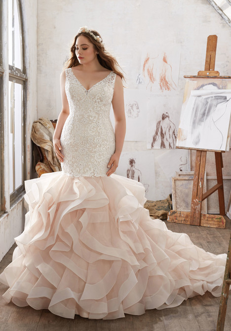 3216 gown from the 2017 Mori Lee: Julietta collection, as seen on dressfinder.ca