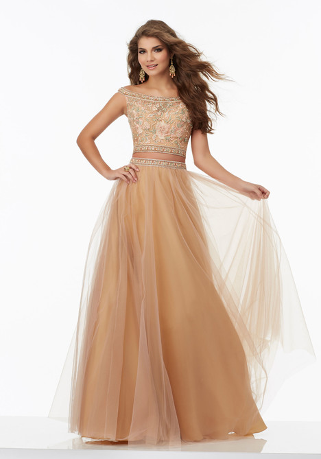 99023 gown from the 2017 Mori Lee Prom collection, as seen on dressfinder.ca