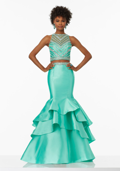99039 (spearmint) gown from the 2017 Mori Lee Prom collection, as seen on dressfinder.ca