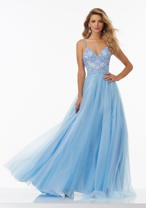99120 gown from the 2017 Mori Lee Prom collection, as seen on dressfinder.ca