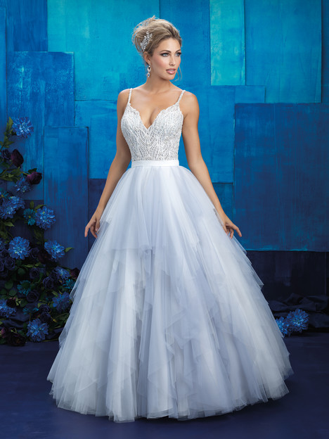 9425 gown from the 2017 Allure Bridals collection, as seen on dressfinder.ca