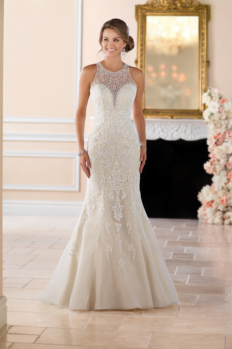 6435 gown from the 2017 Stella York collection, as seen on dressfinder.ca