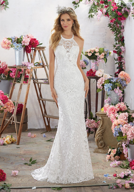 6851 gown from the 2017 Mori Lee: Voyage collection, as seen on dressfinder.ca