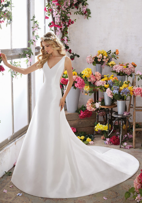 6852 gown from the 2017 Mori Lee: Voyage collection, as seen on dressfinder.ca