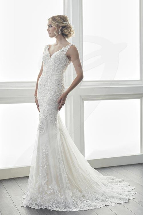 15625 gown from the 2017 Christina Wu collection, as seen on dressfinder.ca