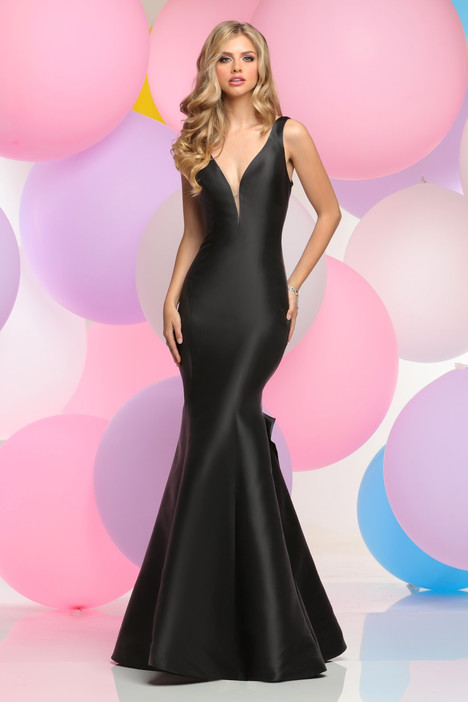 30811 gown from the 2017 Zoey Grey collection, as seen on dressfinder.ca