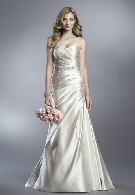 D600 gown from the 2017 Cassidy Sara collection, as seen on dressfinder.ca