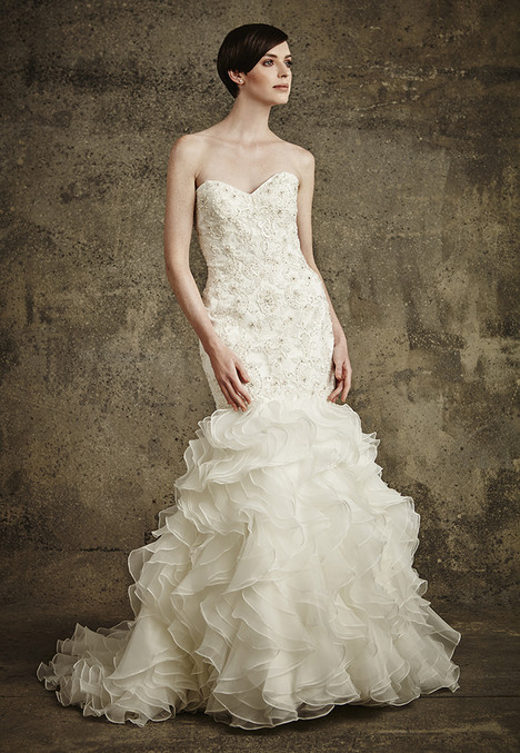 1559 gown from the 2016 Madison Collection collection, as seen on dressfinder.ca