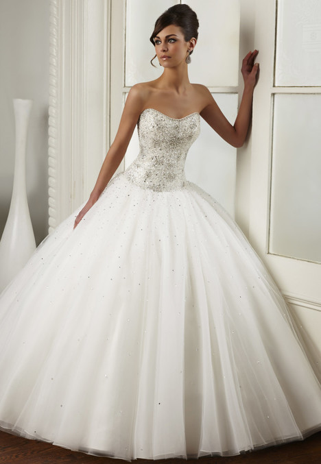 1440 gown from the 2016 Madison Couture collection, as seen on dressfinder.ca