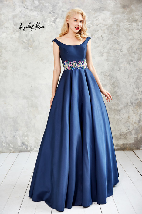 771081 (1) gown from the 2017 Angela & Alison Prom collection, as seen on dressfinder.ca