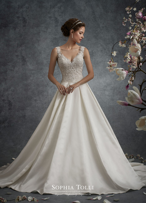 Neptune (Y21756) gown from the 2017 Sophia Tolli collection, as seen on dressfinder.ca