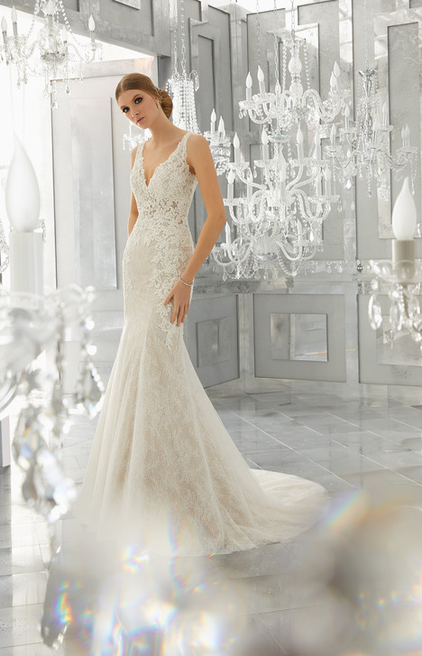 8180 gown from the 2017 Mori Lee: Bridal collection, as seen on dressfinder.ca