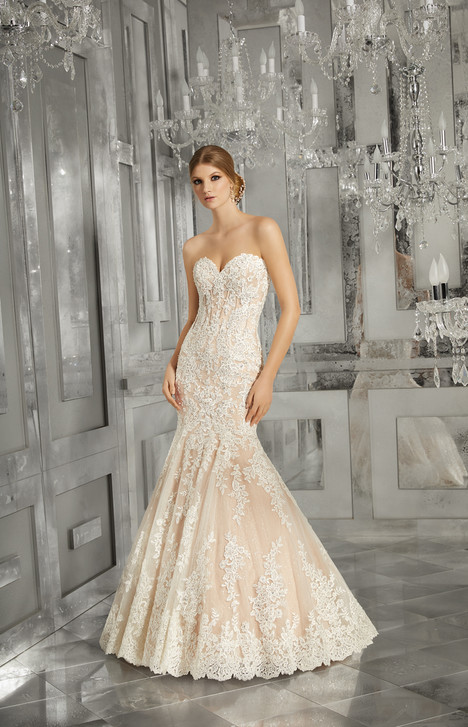 8185 gown from the 2017 Mori Lee: Bridal collection, as seen on dressfinder.ca