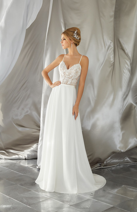 6861 gown from the 2017 Mori Lee: Voyage collection, as seen on dressfinder.ca