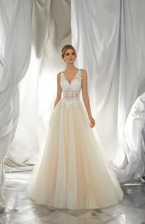 6864 gown from the 2017 Mori Lee: Voyage collection, as seen on dressfinder.ca