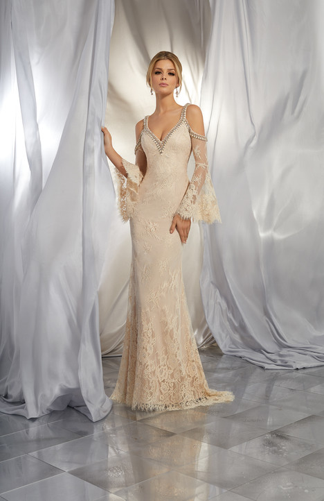 6865 gown from the 2017 Mori Lee: Voyage collection, as seen on dressfinder.ca