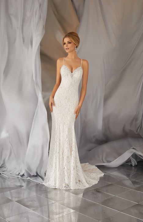 6868 gown from the 2017 Mori Lee: Voyage collection, as seen on dressfinder.ca
