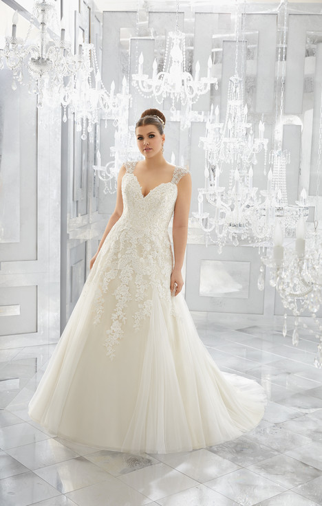 3222 gown from the 2017 Mori Lee: Julietta collection, as seen on dressfinder.ca