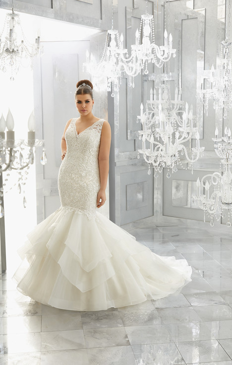 3225 gown from the 2017 Mori Lee: Julietta collection, as seen on dressfinder.ca