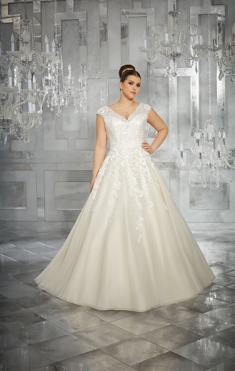 3228 gown from the 2017 Mori Lee: Julietta collection, as seen on dressfinder.ca