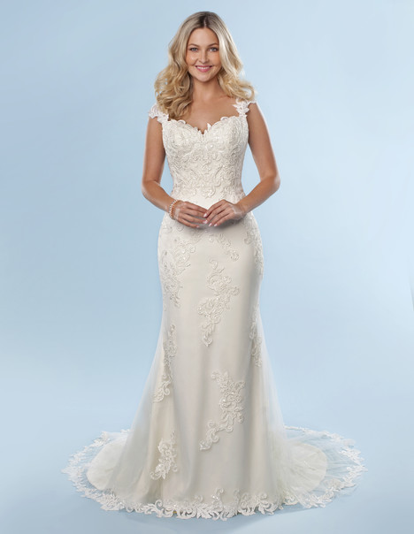 6819 gown from the 2016 Romantic Bridals collection, as seen on dressfinder.ca