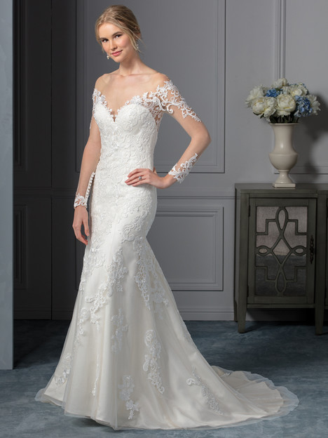 Carolina (BL239) gown from the 2017 Beloved By Casablanca collection, as seen on dressfinder.ca