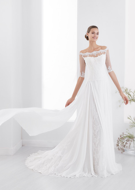 AUAB18929 gown from the 2018 Aurora collection, as seen on dressfinder.ca