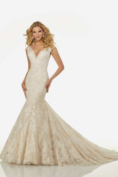 Lara (3411) gown from the 2018 Randy Fenoli Bridal collection, as seen on dressfinder.ca