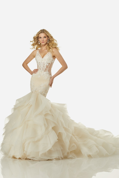 Charlize (3423) gown from the 2018 Randy Fenoli Bridal collection, as seen on dressfinder.ca