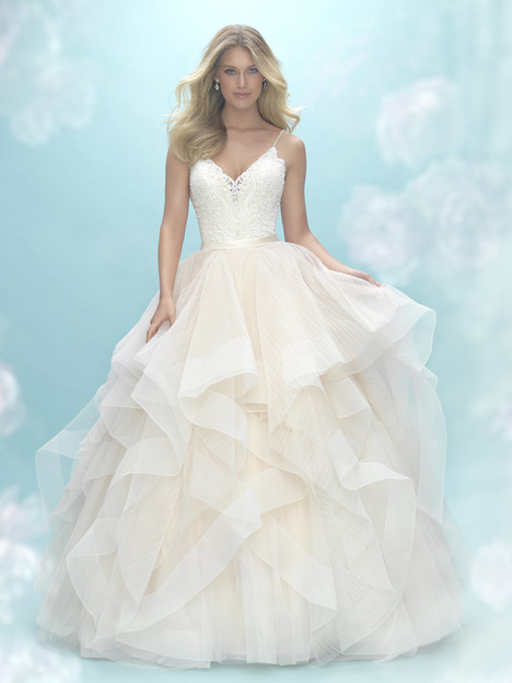 9450 gown from the 2017 Allure Bridals collection, as seen on dressfinder.ca