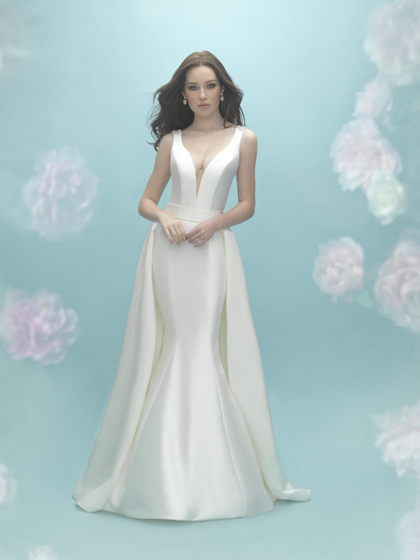 9451T (Train Only) gown from the 2017 Allure Bridals collection, as seen on dressfinder.ca