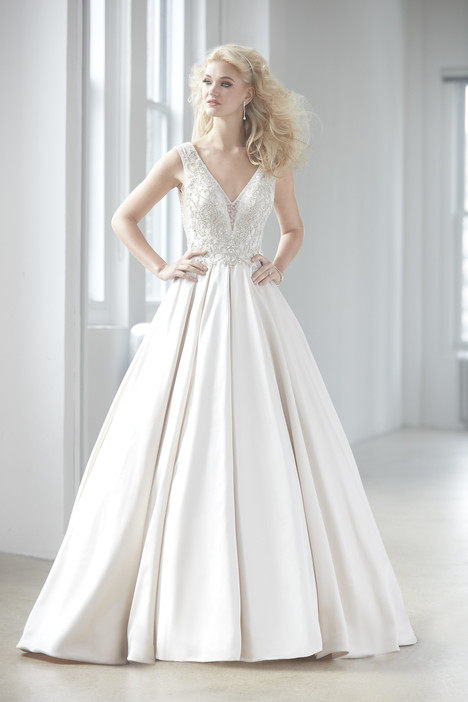 MJ350 gown from the 2017 Madison James collection, as seen on dressfinder.ca