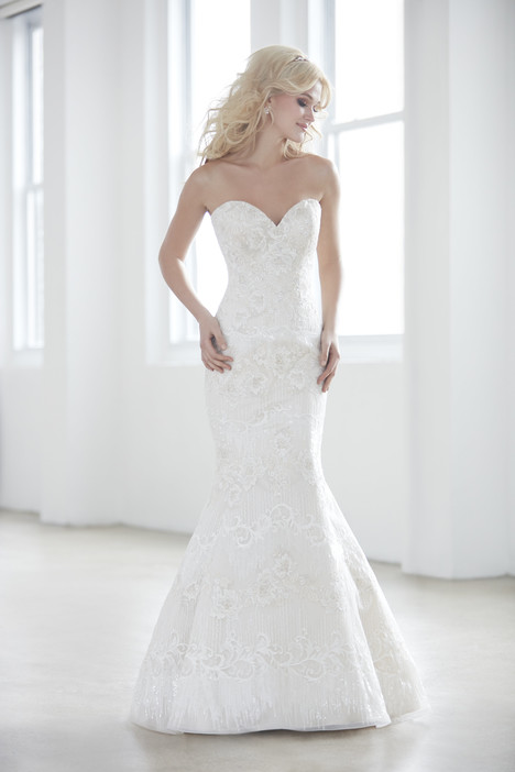 MJ351 gown from the 2017 Madison James collection, as seen on dressfinder.ca