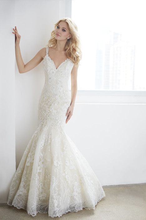 MJ359 gown from the 2017 Madison James collection, as seen on dressfinder.ca