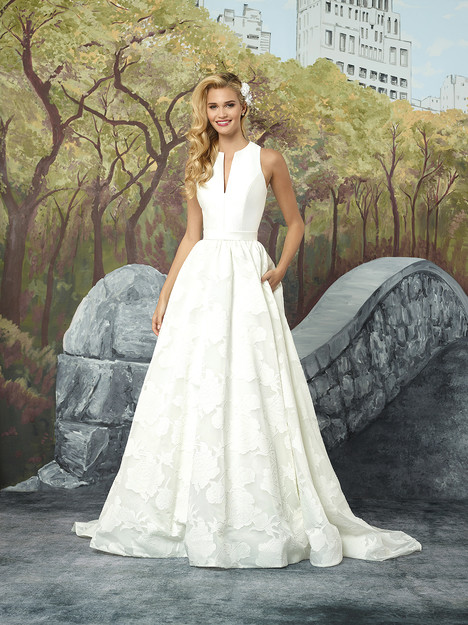 8924 gown from the 2017 Justin Alexander collection, as seen on dressfinder.ca